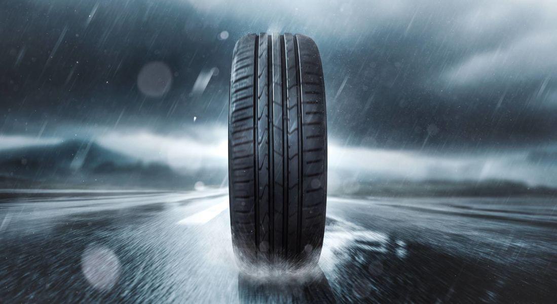 エボニックのULTRASIL® 7800 GRは、特大SUVタイヤや使用頻度の高いオールシーズンタイヤ用の特注シリカです。